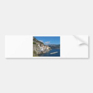 Vista distante de Atrani en la costa de Amalfi Pegatina De Parachoque