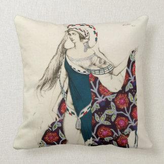Vista el diseño para una mujer, de Judith, 1922 (c Almohada