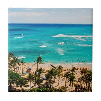Vista elevada de la escena de la playa de Waikiki, Azulejo Cuadrado Pequeño