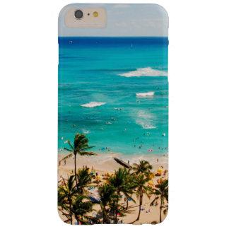 Vista elevada de la escena de la playa de Waikiki, Funda Barely There iPhone 6 Plus