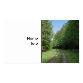 Vista escénica agradable de un camino y de árboles tarjetas de visita
