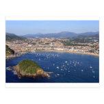 Vista escénica de la costa costa hermosa de San Postal