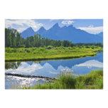 Vista escénica de montañas anuncio