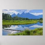 Vista escénica de montañas póster