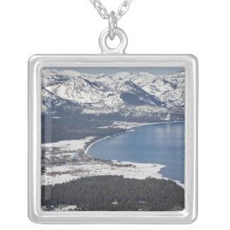 Vista escénica del lago Tahoe, los E.E.U.U. Colgante Cuadrado