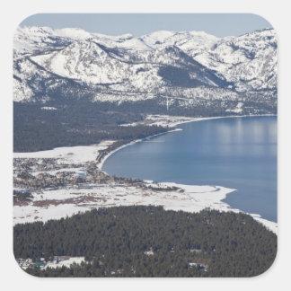 Vista escénica del lago Tahoe los E E U U Calcomanía Cuadradase