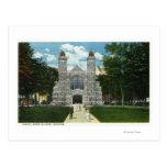 Vista exterior de la capilla de la universidad de postales