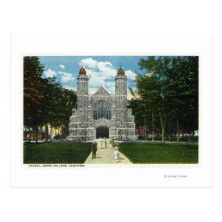 Vista exterior de la capilla de la universidad de tarjetas postales