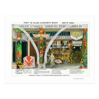 Vista exterior de la tienda del objeto curioso de postales