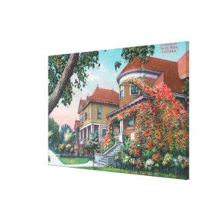 Vista exterior de una residencia típica lienzo envuelto para galerias