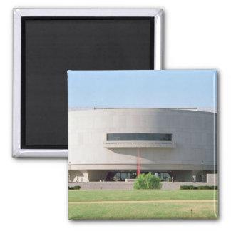 Vista exterior del Hirshhorn Museum 1974 Imán
