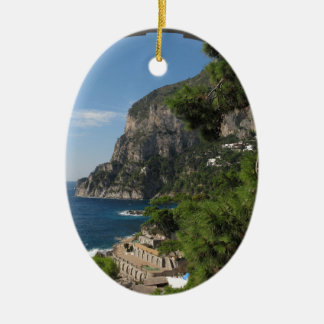 Vista hacia los acantilados en la isla de Capri Ornamento Para Reyes Magos