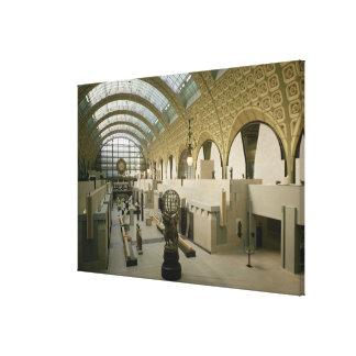 Vista interior de la entrada principal lona envuelta para galerias