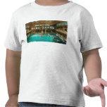 Vista interior de los baños de natación camisetas