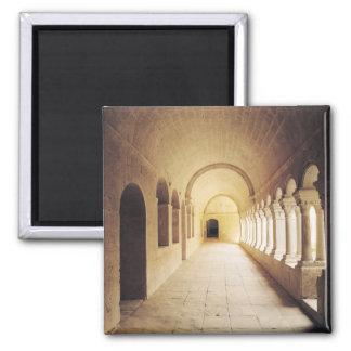 Vista interior del claustro, fundada en 1148 imán cuadrado