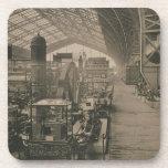 "Vista interior del pasillo de la maquinaria, de ""L Posavasos"