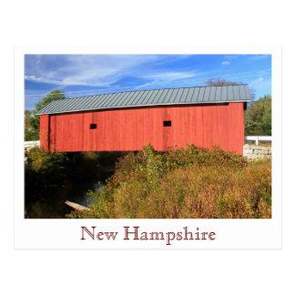 Vista lateral cubierta de Swanzey NH del puente de Tarjetas Postales