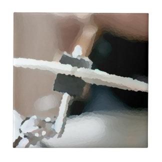 Vista lateral del drumset painterly del platillo d azulejos cerámicos
