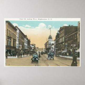 Vista occidental de la calle de la corte posters