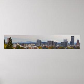 Vista panorámica de Portland céntrica Oregon en ca Póster