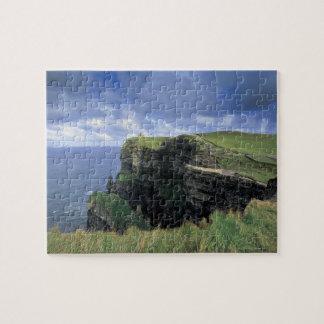 vista panorámica de un acantilado por la playa rompecabeza