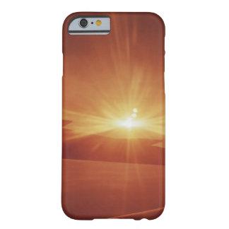vista panorámica de una salida del sol funda de iPhone 6 barely there