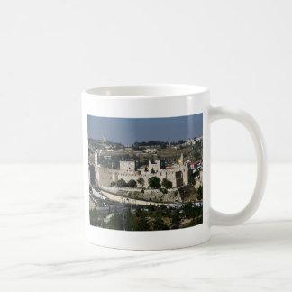 Vista para a Torre de Davi e o Domo da Rocha Coffee Mug