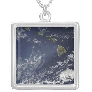 Vista por satélite de la niebla volcánica colgante cuadrado