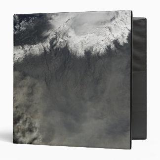 """Vista por satélite de un penacho 4 de la ceniza carpeta 1 1/2"""""""