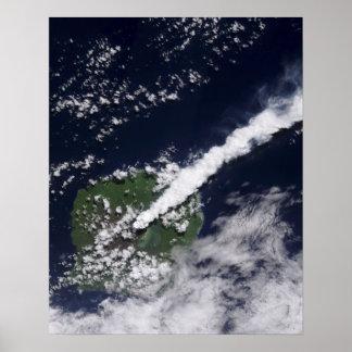 Vista por satélite de un penacho grueso, póster