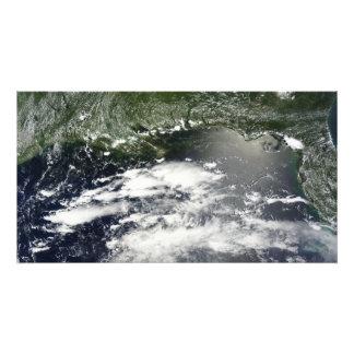 Vista por satélite del aceite que se escapa 2 impresión fotográfica