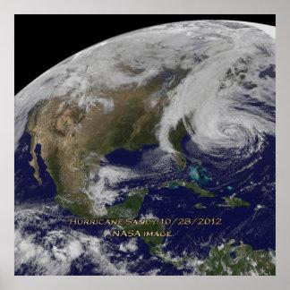 Vista por satélite del poster de Sandy del huracán Póster