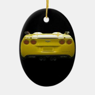 Vista posterior de una corbeta de encargo amarilla adorno ovalado de cerámica