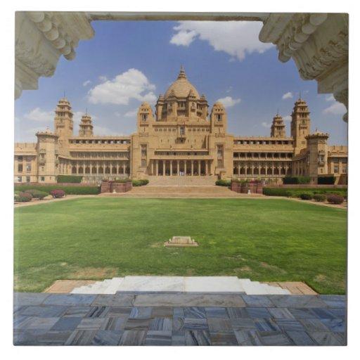 Vista posterior del hotel del palacio de Umaid Bha Azulejo Cuadrado Grande