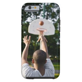 Vista trasera del baloncesto del tiroteo del funda de iPhone 6 tough