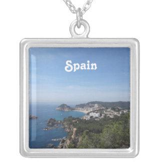 Vistas de la costa española collar plateado