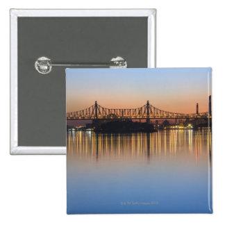 Visto de Manhattan sobre el East River. Pin