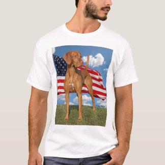 Viszla hunting dog with Flag Shirt