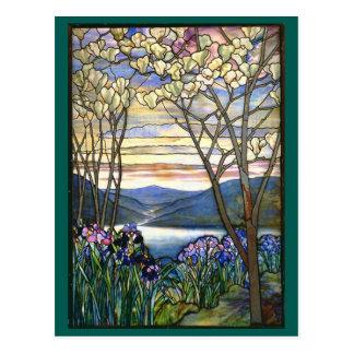 Vitral de Tiffany de la magnolia y del iris Postal