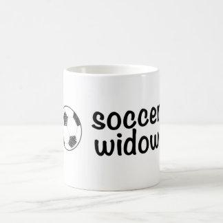 Viuda del fútbol taza clásica