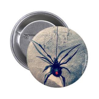 viuda negra pin redondo de 2 pulgadas
