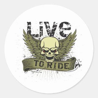 Viva para montar el cráneo con las alas pegatina redonda