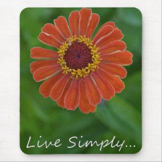 Vive el mousepad simplemente anaranjado de la flor