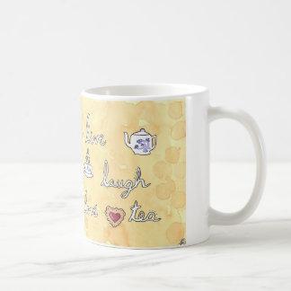 Vive el té del amor de la risa taza clásica