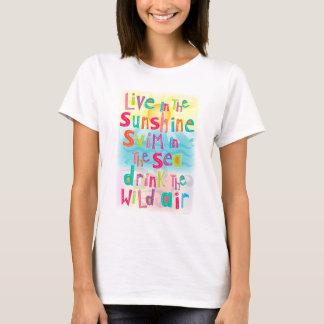 Vive en la nadada de la sol la camiseta de la cita