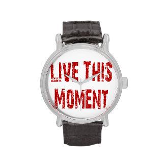 Vive este reloj del momento