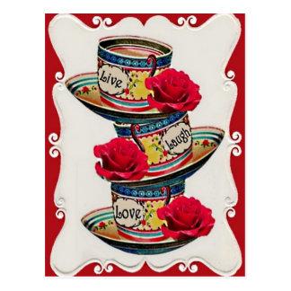 Vive la postal apilada amor de las tazas de té de