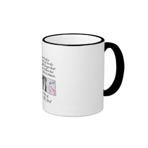 Vive su vida, ningunos pesares tazas de café