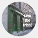Viven de largo los irlandeses etiqueta redonda