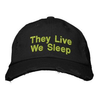 Viven nosotros duermen gorras de béisbol bordadas